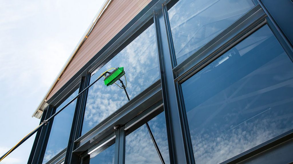 water-fed-pole-window-cleaning-in-dundee-and-angus